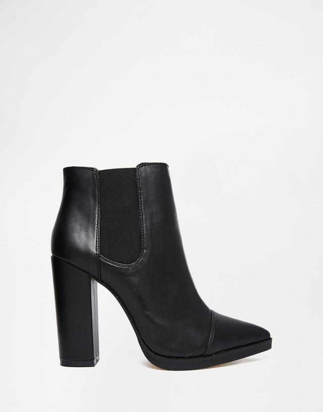 cc2a5d1f220 Pointed Chelsea Ankle Boots