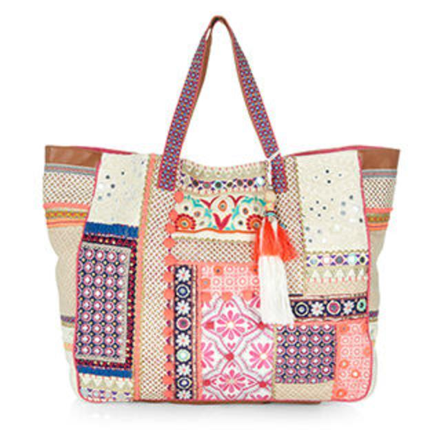 Wow Embellished Beach Bag | Endource