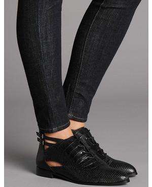 wide fit heeled loafer endource