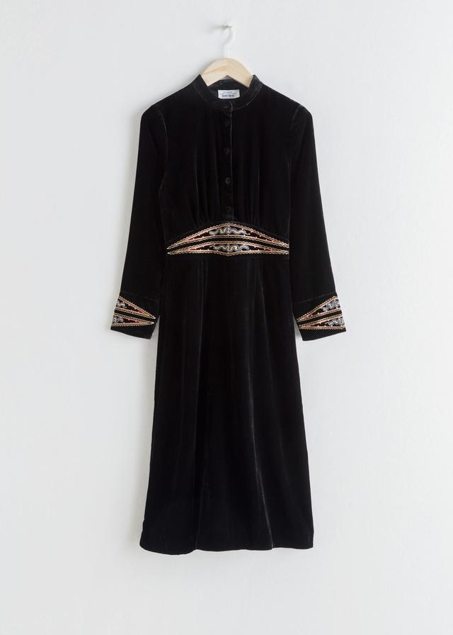 7df656f47d901 Velvet Embroidered Midi Dress   Endource
