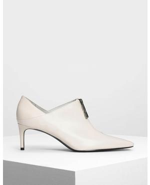 ad027ef6e9d Cream Pointed Toe Shoes | Endource